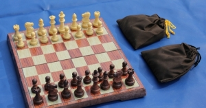Wood Magnetic Plastic Chess Set
