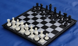 Large magnetic game set 2 in 1 chess + checkers