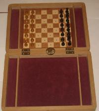 Miniature wooden chess in case art n-4
