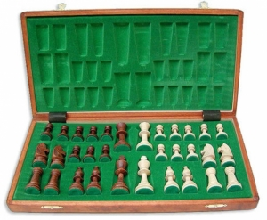 Staunton5_fc_chess_set_2.jpg