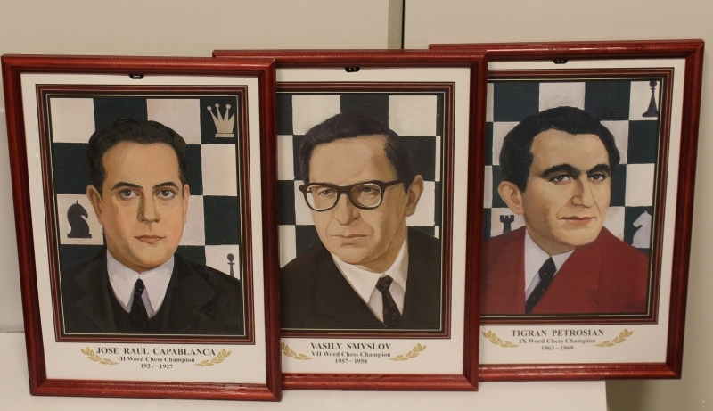 16 CHAMPIONS OF THE WORLD ON CHESS. WALL PORTRAITS IN WOODEN FRAMES